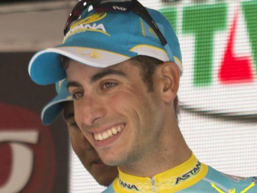 Fabio Aru veste con il tricolore la 5 tappa del Tour de France