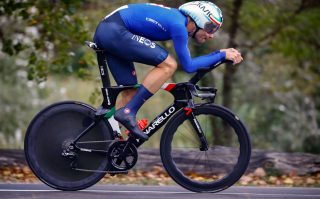 Filippo Ganna a bordo della sua Pinerello Bolide TT